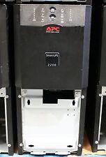 APC SUA2200i (bajo) Torre UPS 12 Mes RTB Wty. nuevas células. USB