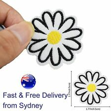 Daisy flower Iron on patch floral marguerite blossom bud spring iron-on patches