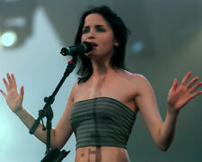 Andrea Corr UNSIGNED photo - H5380 - Lead singer of The Corrs