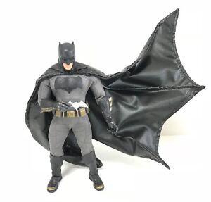 SU-C-MZB: 1/12 scale Black Wired Cape for Mezco One:12 Batman (No figure)