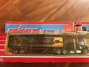 Majorette Vintage Kenworth Night Hawk Truck With Trailer S600 1/87. BNIB. RARE.