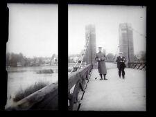 PLAQUE VERRE PHOTO NEGATIF circa.1914 MILITAIRE SUR UN PONT FRONTALIER  (B45)