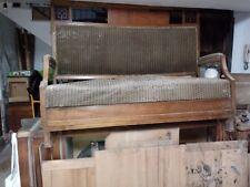 Antico salotto in noce composto da 1 divano e 2 poltrone