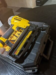 DeWALT D51257K 16 Gauge Finisher Nailer Air Nail Gun Tool
