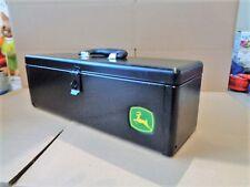 Original John Deere Werkzeugkoffer Kiste mit Schicherungsbolzen Griff  180002
