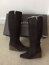 FAT FACE WOODHAM WEDGE BOOTS SIZE UK 6 EU 39 DARK BROWN KNEE LENGTH & BOX