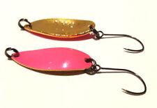 Cuillers noirs truite pour la pêche
