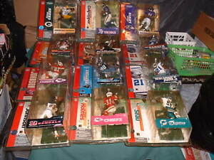 12 NFL FOOTBALL SEALED ACTION FIGURES MIXED LOT NEW MCFARLANE TOYS