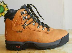 1995 Vintage Nike ACG Men's Hiking Boots. US Size 10
