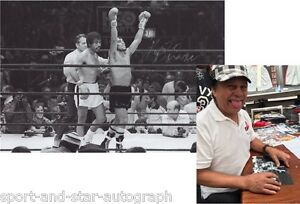 Roberto Duran Hands of Stone SIGNED AUTOGRAPH 12x8 with Photo Proof AFTAL UACC
