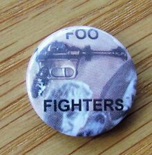 FOO FIGHTERS DAVE GROHL VINTAGE METAL BUTTON BADGE FROM THE 1990's
