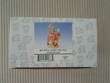 Charming Tails Figurine He Will Light The Way Nativity 87/256