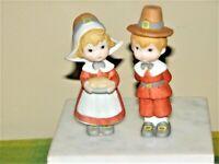 "Lefton Lot of 2 Boy and Girl Pilgrims 4"" Ceramic Figurines #04590 Thanksgiving"