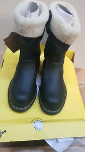 DR MARTINS WOMENS STEEL TOE BOOTS SIZE 6 - BOX IS DAMAGED