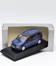 Minichamps 841902102 VW Volkswagen Touran in blau, 1:43 , OVP, 93/13