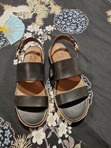 Naturalizer Jaycie Sandals - Size 9