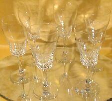 Série N°1 de six verres à vin blanc demi cristal taillé