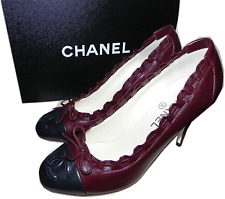 $850 Chanel Pumps Heels Shoes 35 Cc Logo Cap Toe Burgundy Navy Bow