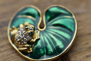 Goldtone And Enamel Frog On Lily Pad Brooch
