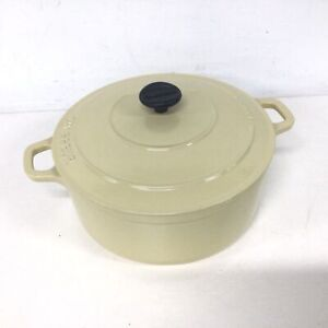 Chasseur French Wrought Iron Cream Coloured Cooking Pot #710