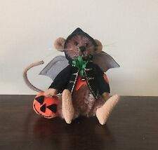 """DEB CANHAM'S """"BATTERS"""" A BROWN MINI  MOHAIR MOUSE 2 3/4"""" DRESSED AS A BAT"""