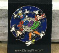 Walt Disney World 2009 Spinning Pin Trading Badge Mickey Minnie Donald Goofy