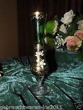 Antike Glas Vase mit Fuß / Grün + Gold + Blumenmuster / handbemalt / 20,5 cm
