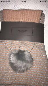 BNWT Ladies Hat & Scarf set winter one size peach & Silver