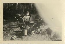 PHOTO ANCIENNE - VINTAGE SNAPSHOT - PHOTO RATÉE ERREUR OBSTRUCTION ENFANT LANDAU