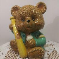 Vintage 1997 Geo Z Lefton Porcelain Baseball Bear Coin Piggy Bank. Cute