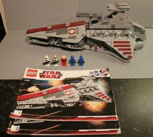 Lego Star Wars Set 8039 Venator-Class Republic Attack Cruiser- 100% complete