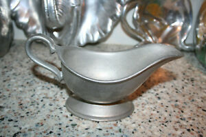 RWP WILTON ARMETALE COLONIAL GRAVY BOAT PITCHER METAL PLOUGH TAVERN