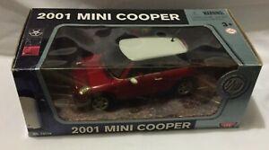 MOTORMAX 2001 MINI COOPER RED / WHITE COLOUR
