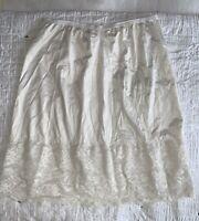 Vintage Vanity Fair L Satiny White Tricot Nylon Lace Trim Pillow Tab Half Slip