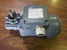 Motoréducteur BAUER 230/400 tri 0,18 Kw sortie 100 t/mn