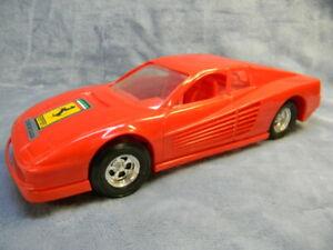 "VINTAGE 1984 1/12 SCALE FERRARI TESTAROSSA TOOTSIETOY RED PLASTIC 7"" TOY CAR"