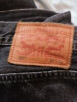 LEVI'S 501 JEANS classic fit  BLACK 32 X 32 worn once Mens Button fly distressed