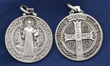 Médaille de Saint Benoit 40 mm métal argenté cadeau communion
