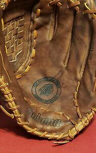 Nokona WS-1400 Walnut Series Softball Glove 14 inch RHT NWT and Nokona bag