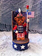 """Nos 2002 American Liberty Bears """"Stars And Stripes Forever"""" Music Box Figurine"""
