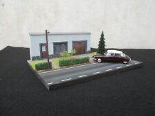 DIORAMA VEHICULES 1/43 N° 22 L 27 X l 20   X H 9,5 cm façade grise