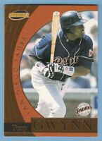 TONY GWYNN 1999 Pacific Invincible Flash Point #17 San Diego Padres