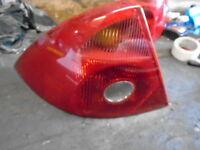 Ford Mondeo Mk3 hatchback 01-04 Passengers left rear light & bulb holder
