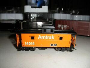 AMTRAK - orange  -  caboose  # 14014