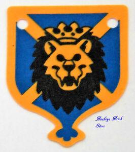 NEW Lego HANGING 4x5 Knights Kingdom Lion Head - Blue Cloth