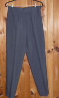 Pantalon tailleur chic gris taille F/B/P/E: 42 D: 40