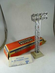 Vintage Lionel No 195 Railroad Yard Floodlight Plastic Light Model Train w/Box