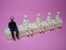 5  FIGURINES   SET 128  POMPIERS  ASSIS   VROOM  1/43 / 1/50  UNPAINTED  FIGURES