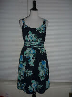 Ann Taylor Sleeveless Floral Print Fit & Flare Dress, Scoopneck, Blue Black Sz 8