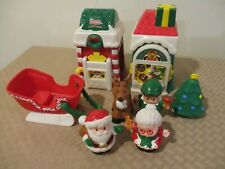 Fisher Price Little People CHRISTMAS VILLAGE Main St. Sleigh Santa Mrs Claus Elf